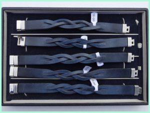 Atelier Texel - leren vlecht armbanden - blauw - edelstaal slot