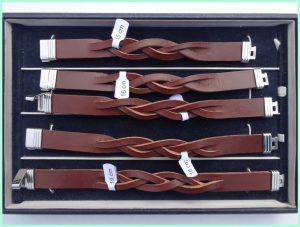 atelier texel - leren vlecht armbanden - bruin edelstaal slot