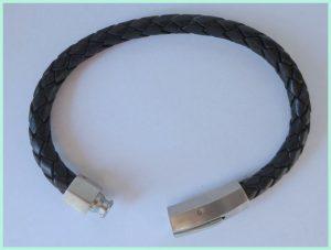 Leder Armband mit einem Edelstahlverschluß